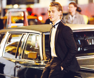austin butler and suit image