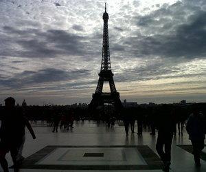 paris and tour eiffel image
