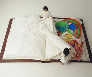 bed and book image