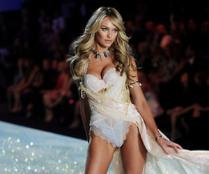 candice swanepoel and Victoria's Secret image