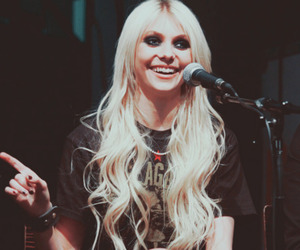 Taylor Momsen, the pretty reckless, and hair image