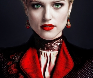 Dracula, Lucy, and 2013 image