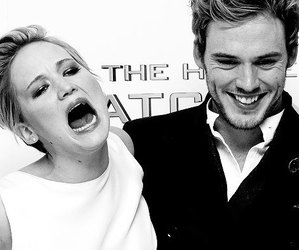 Jennifer Lawrence, catching fire, and the hunger games image