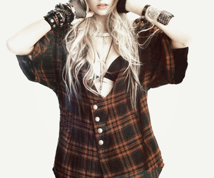 Hot, style, and Taylor Momsen image