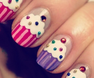 cupcake and nails image