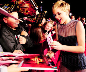 Jennifer Lawrence, the hunger games, and catching fire image