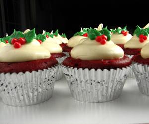 christmas, cupcakes, and kiss image
