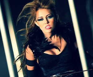 miley cyrus, cant be tamed, and cyrus image