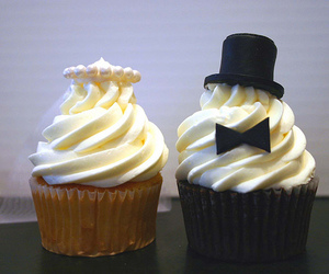cupcake and wedding image