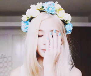 girl, flowers, and ulzzang image