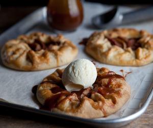 apple, Apple Pie, and crust image