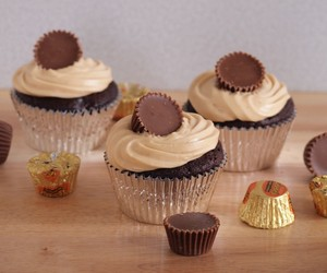 chocolate, pb & chocolate, and cupcakes image