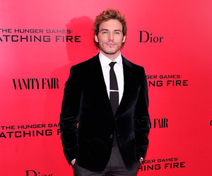 catching fire and sam claflin image
