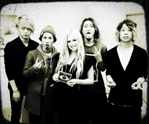 Avril Lavigne, one ok rock, and music image