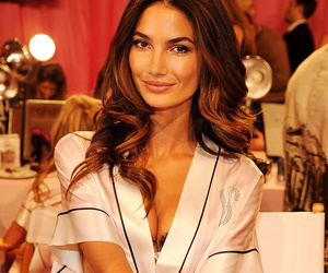 clothes, fashion, and Lily Aldridge image