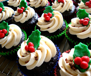 cupcake, food, and christmas image