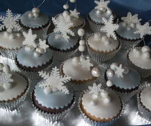 christmas, cupcake, and cupcakes image