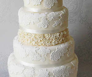 cakes, delicious, and wedding cakes image