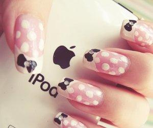 nails and ipod image
