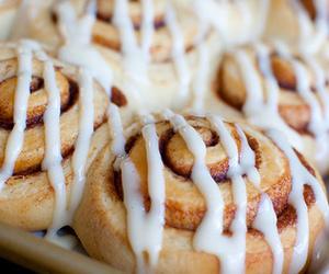 food, yummy, and cinnamon roll image