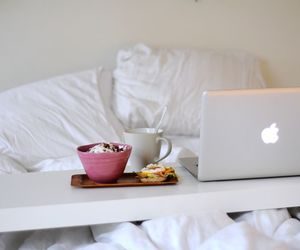 bed and macbook image