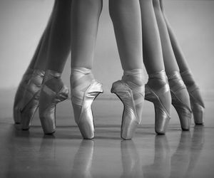 dance, en pointe, and pointe image