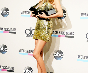 Taylor Swift, ama, and 2013 image