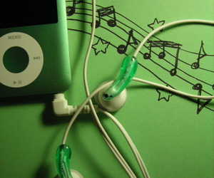 music, green, and ipod image