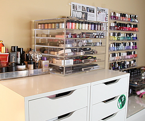 make up, walk in closet, and make up collection image