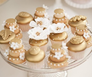cupcake, biscuits, and wedding image