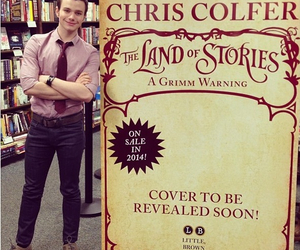 chris colfer and glee cast image