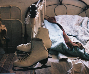 bed, vintage, and skate image