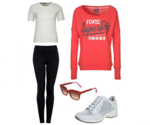 white sneakers, wit sneakers, and zwart legging image