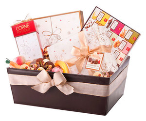 christmas gifts and online gifts in hungary image