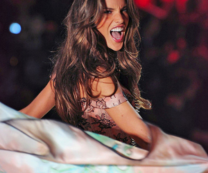 alessandra ambrosio, beauty, and girl image
