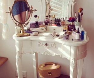 drawer, dressing table, and makeup image