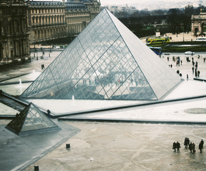 cold, holiday, and louvre image