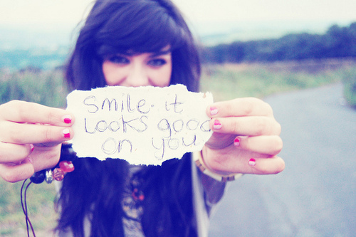 """Smile Quotes"""