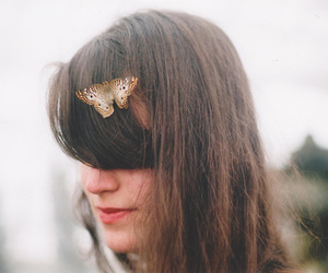 girl, vintage, and butterfly image
