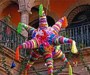 mexico and pinata image