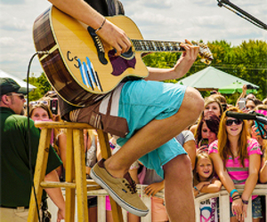 cody simpson and cody simpson performance image