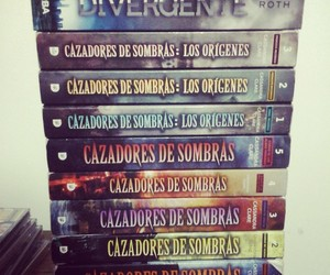 books, divergent, and divergente image