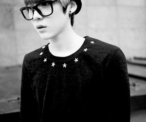 black and white, boy, and korean image