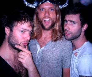 maroon 5, adam levine, and mickey madden image