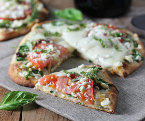 healthy, pizza, and tomato image