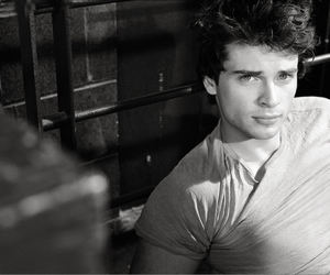 tom welling and superman image