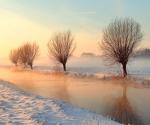 river and winter image