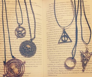 harry potter, hunger games, and book image