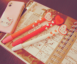 pen and hello kitty image