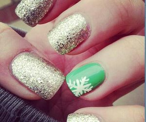 nails, green, and winter image